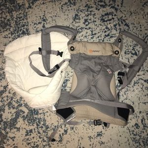 ErgoBaby 360 Infant Carrier with Infant Insert
